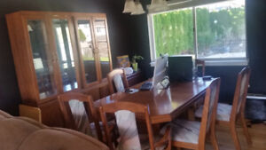 oak glass cuboard and table chairs oak  great condition