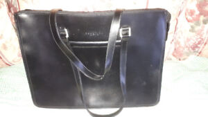 FS: Kenneth Cole Reaction Leather Carrying Case - New
