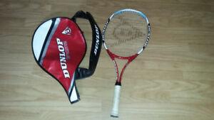 Raquette de tennis Dunlop avec étui