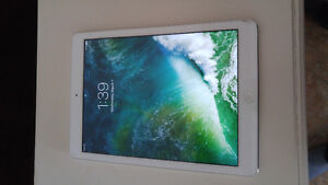 Ipad air 1 32GB with multi LED light up keyboard