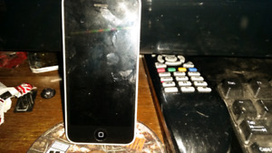 IPHONE 5C GREAT PHONE  NO ISSUES TRADE 4 ANDROID .IN FORT ERIE