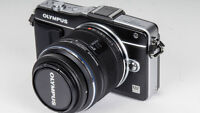 Olympus E-PM2 Black Body Only