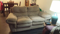 Love seat for sale !