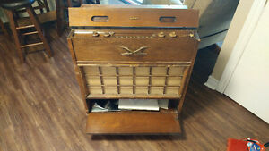 Antique Electrohome radio record player