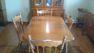 Dining room table solid maple with 4 chairs