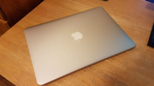 """like NEW 2015 Macbook Pro 13"""" (low battery cycle)"""