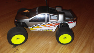 Losi mini brushed all stock has controller and stuff