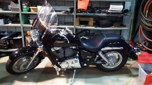 2006 Honda Shadow Sabre - Low KM's