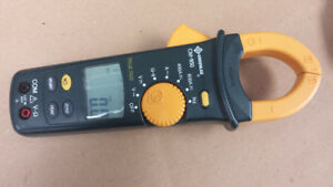 Greenlee Cm-950 600a Ac/dc True RMS Clamp Meter Multimeter