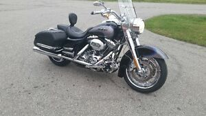 2008 ROAD KING CVO FLHRSE4