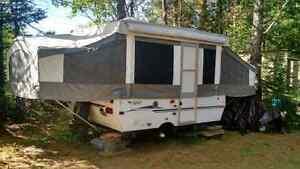 2006 pony tent trailer