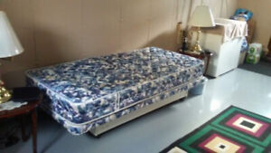 TWIN ADJUSTABLE BED .... SORRY NO DELIVERY ..... PICK UP ONLY