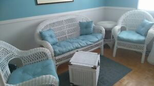 5 piece Wicker set