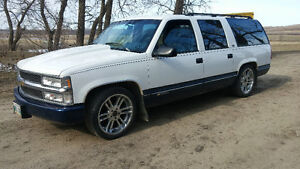 1994 Chevrolet Suburban Lowered on 20s