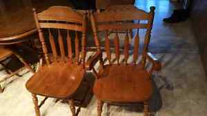 Solid oak  dining table with 6 chairs Kitchener / Waterloo Kitchener Area image 6