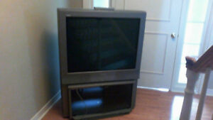 SONY Trinitron TV & Stand, Great for gaming!