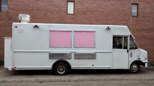 new Food Truck For sale (turn key)