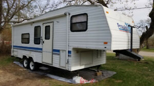 1995 Prowler Fifth Wheel 25.5' Camper