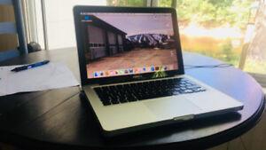 MacBook Pro 750 Gbz i7