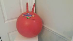 Exercise bouncy ball with handles