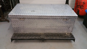 Aluminum work box with steel frame and step