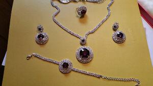 Brand new jewellery set with bracelet.