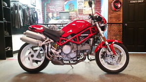 Monster S2R 800 - Near Mint Condition