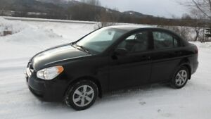 2010 Hyundai Accent Automatique 71,000kms $3000 Tax Inclus