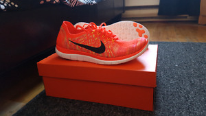 Nike free 4.0 running shoes barefoot flyknit brand new