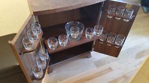 Cabinet à Boisson Antique