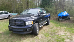 2004 Ram 1500 AWD for Parts