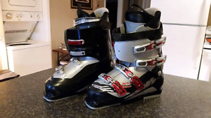Mens Salomon ski boots size 27