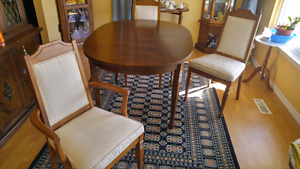 Dining room Table with 4 chairs $375 Cobourg