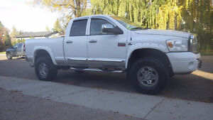 "2008 Dodge Power Ram 3500 Laramie CUMMINS DIESEL 31"" Tires"