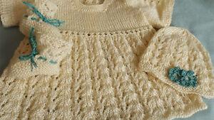 robe en coton 0-3 mois et ensemble tuque et chaussons Québec City Québec image 4