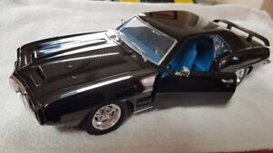 3 Ads of DIECAST 1:18 HIGHEND detail & Lesser detail  Model CAR