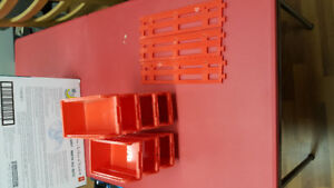 Wall Storage Containers (2 Different Sizes)