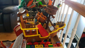 Jake and the Neverland pirates boat and characters