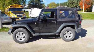 2015 Jeep Wrangler Sport VUS 4X4 Seulement 9500km