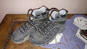 Selling my steel toe work boots