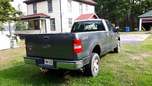 2004 Ford F-150 XL Pickup Truck