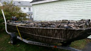 16 1/2ft Lowes Jon fishing/duck hunting boat 15HP 4 stroke