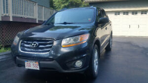 2011 Hyundai Santa Fe with AWD and V-6 .. remote start