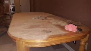 Dinning table and 5 chairs Kawartha Lakes Peterborough Area image 1