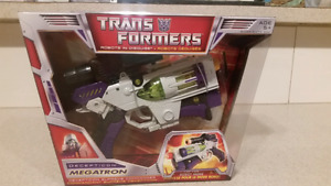 Transformers Megatron Classic Voyager