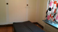 Sublet one big room in 4 1/2, walk 2 min from metro Snowdon