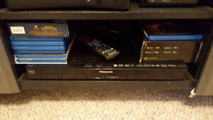MINT PANASONIC 3D SURROUND SOUND BLUERAY SYSTEM WITH 8 MOVIES