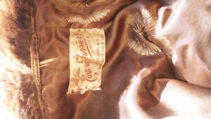 REAL MINK 3/4 WOMANS COAT WITH 6 REAL MINK PELT STOLE 225.00