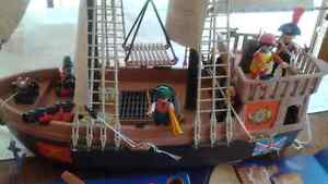 Playmobil classic, the 3550 Pirate Ship Vintage