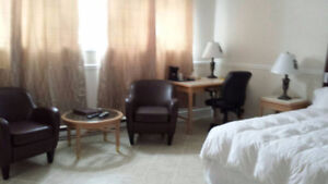 STOP SEARCHING for A ROOM near OTTAWA , Motel Montcalm